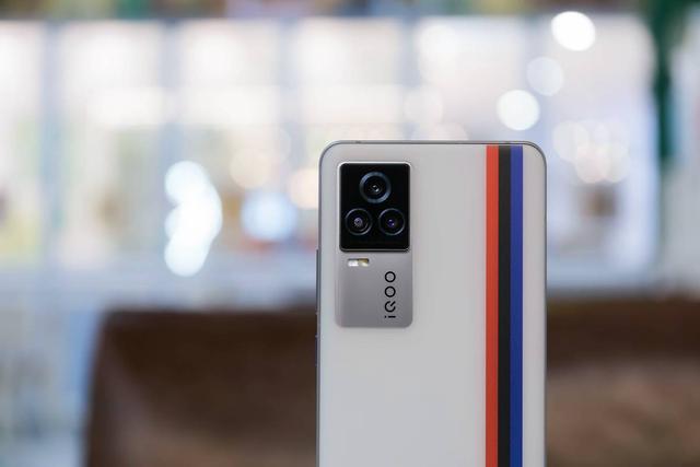 Android 12.0正式公布!iQOO 7系列成首批适配机型  安卓12 第1张